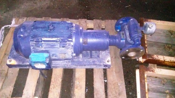 VIKING STAINLESS STEEL GEAR PUMP.