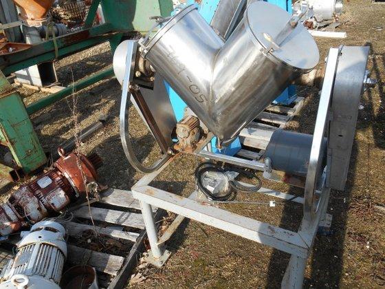 PATTERSON-KELLEY Stainless Steel Blender 16