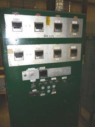 EXTRUDER TEMPERATURE CONTROL PANEL WITH