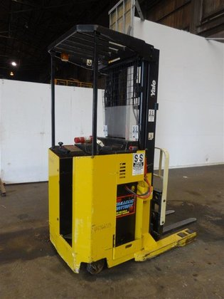 YALE STAND-UP FORKLIFT NR040AANM24SE095 MAXIMUM