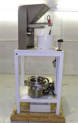 CALIFORNIA VIBRATORY PARTS FEEDER, STAINLESS