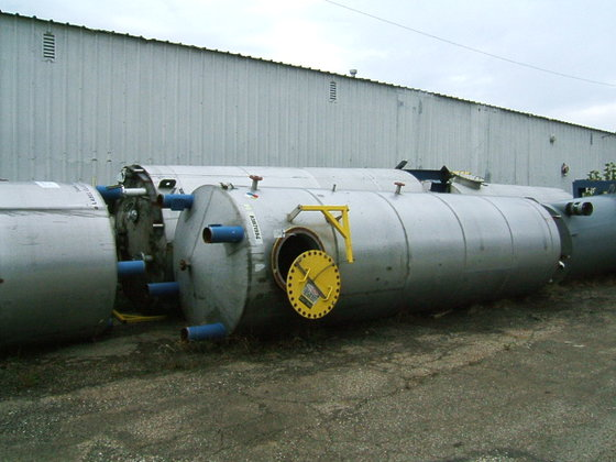 APPROXIMATELY 4,500 GALLON 316 VERTICAL