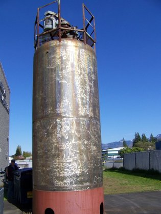 APPROXIMATELY 3,000 GALLON STAINLESS STEEL