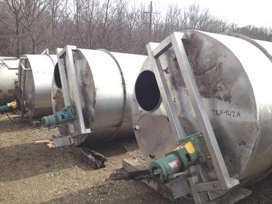 APPROXIMATELY 1,500 GALLON STAINLESS STEEL
