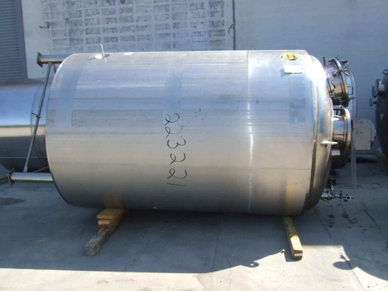 STAINLESS FABRICATORS APPROXIMATELY 2,000 GALLON