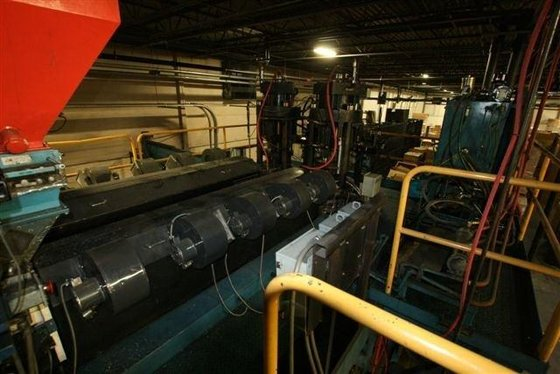 1999 STERLING INDUSTRIAL BLOW MOLDER