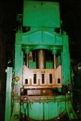300 TON ELMES HYDRAULIC PRESS