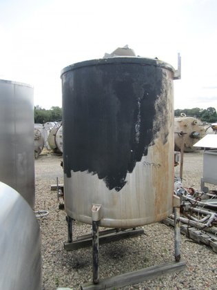 APPROXIMATELY 500 GALLON VERTICAL STAINLESS
