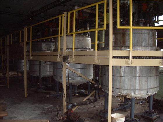 PERRY PRODUCTS APPROXIMATELY 500 GALLON