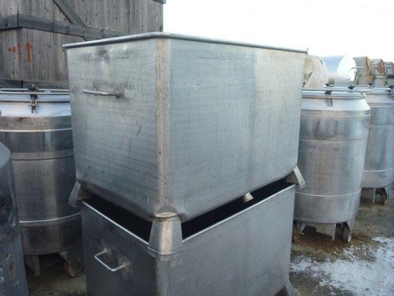 SS rectangular storage tank with