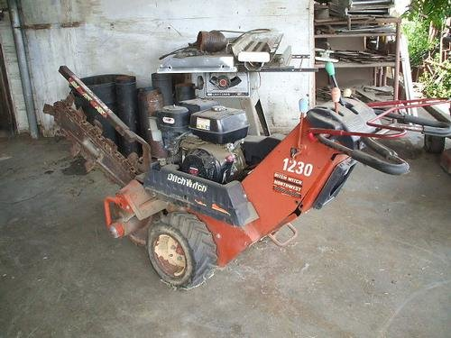 2002 DITCH WITCH 1230 in