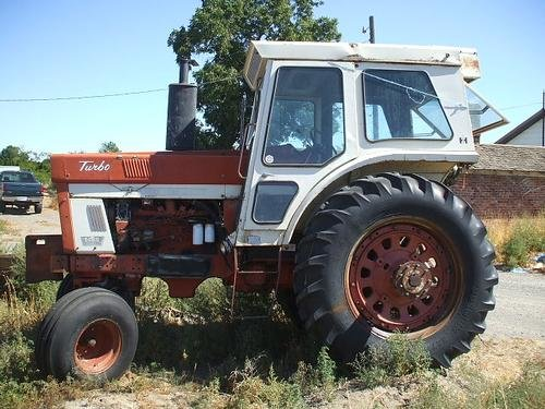 1973 INTERNATIONAL 1466 in Tri-Cities,