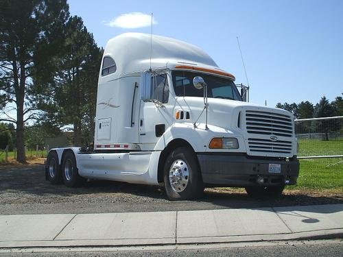 1998 STERLING 9513 in Tri-Cities,