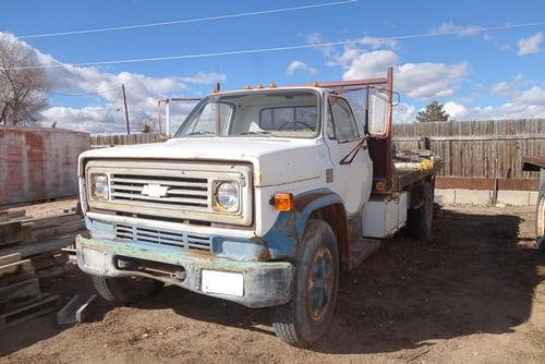 1975 CHEVROLET C-6500 Flatbed truck