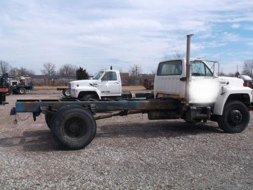 1994 FORD F800 in Indianapolis,