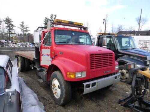 2000 INTERNATIONAL 4900 in Londonderry,
