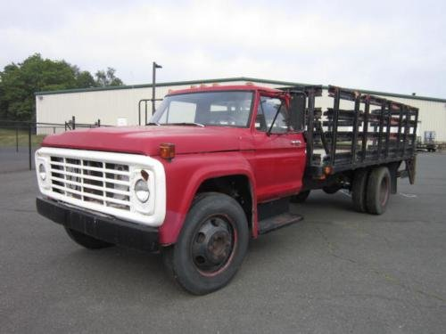 1975 FORD F600 in Springfield,