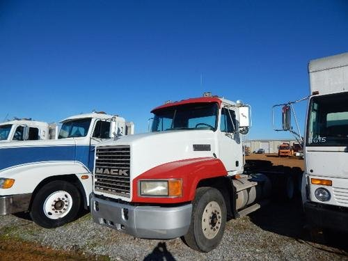 1993 MACK CH613 in Hickory,
