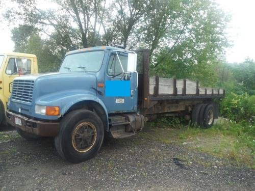 1993 INTERNATIONAL 4900 Flatbed Dump
