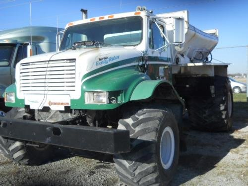 1990 INTERNATIONAL 4900 4X2 in