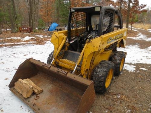 2002 JOHN DEERE None in