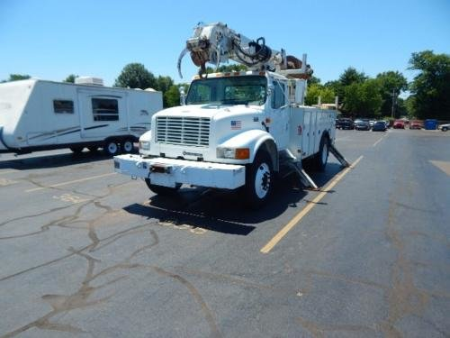2001 INTERNATIONAL 4900 in Evansville,