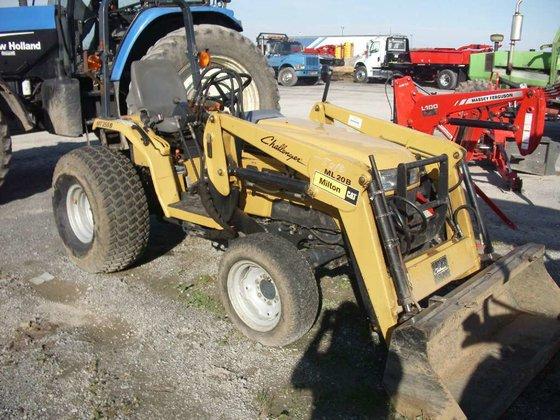 Challenger MT255B (TRACTOR) Tractors in