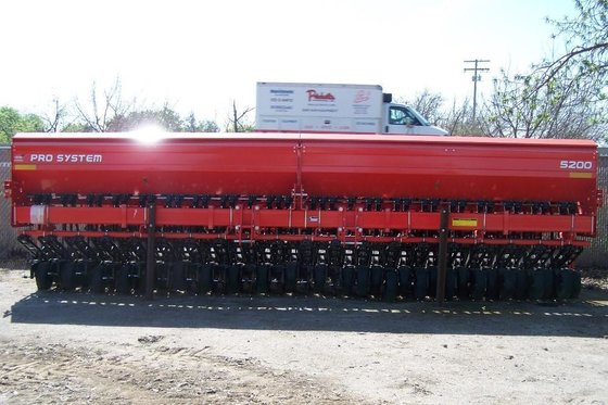 2012 Kuhn 5200M Seeders in