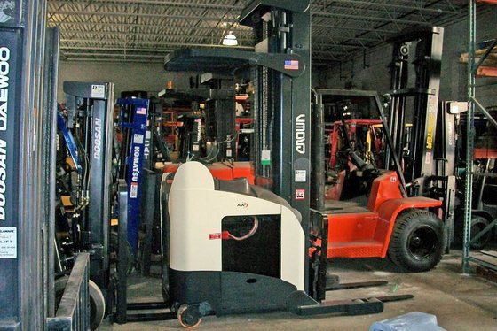 Crown RR5220-45 Forklifts in Bensalem,