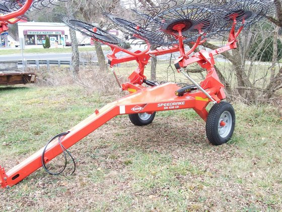 KUHN SR108 GII Hay equipment