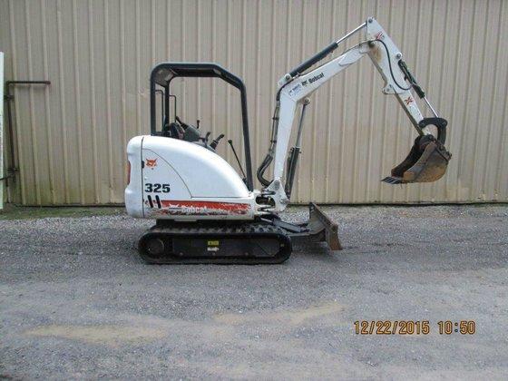 2011 BOBCAT 325 LA Excavators