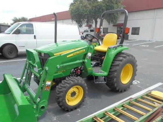 2015 JOHN DEERE 3038E Tractors