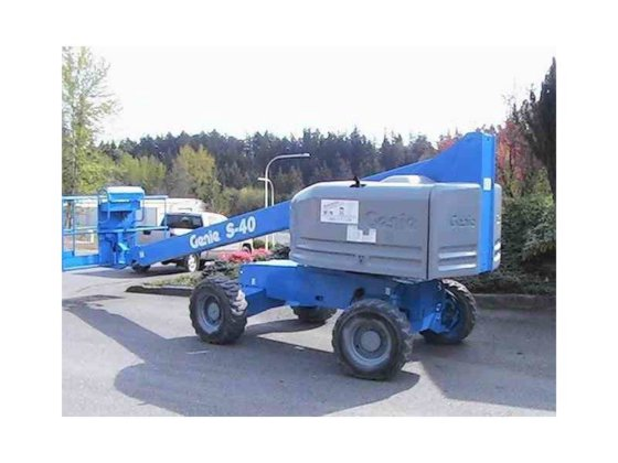 2004 GENIE S-40 Manlift in