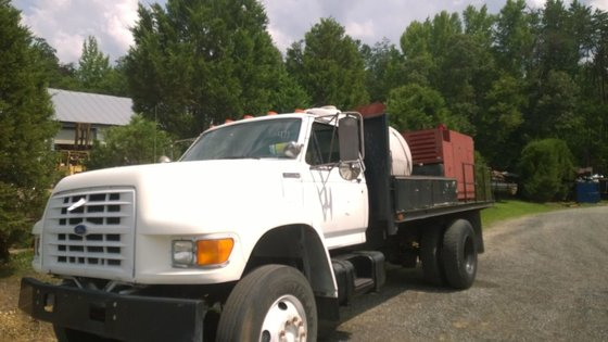 1995 FORD F800 Directional drill