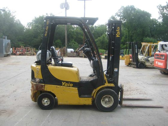 2010 Yale GLP030VXNUSE084 Forklifts in