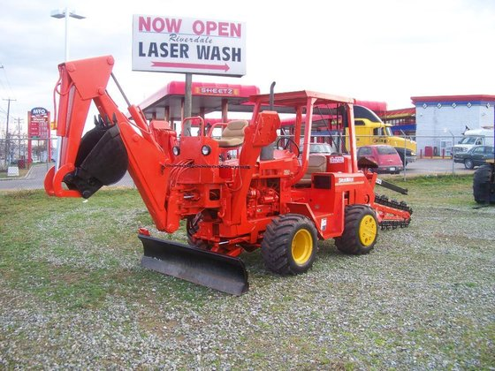 Ditch Witch 5010 Plows in