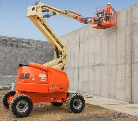 2017 JLG 450AJ Articulated boom