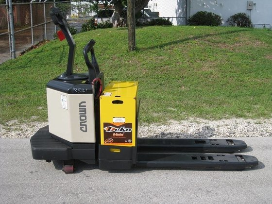 CROWN PE3540-60 Electric pallet jack