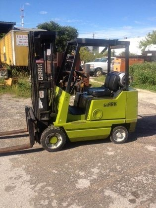 1998 CLARK CGC25 Forklifts in