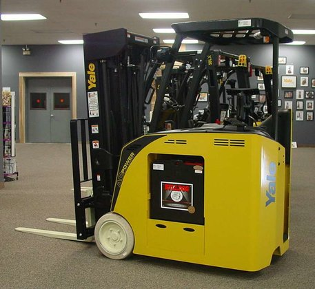 2014 Yale ESC040AC Forklifts in