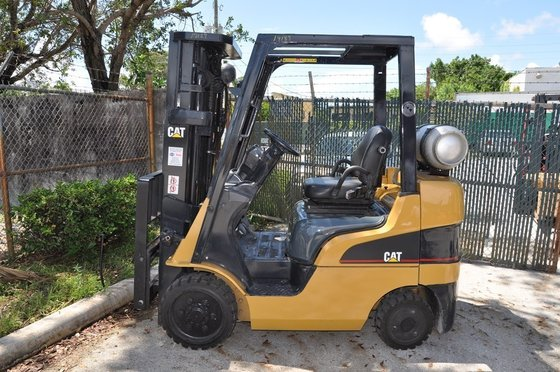 2004 CATERPILLAR C5000 Forklifts in