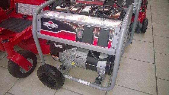 2015 SNAPPER 3500w Generator Briggs