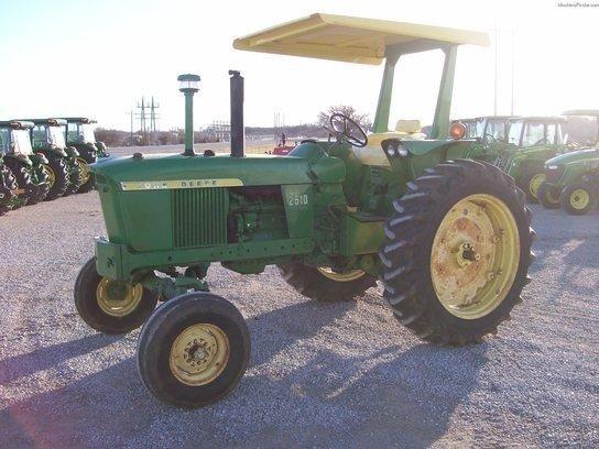 1967 JOHN DEERE 2510 Tractors
