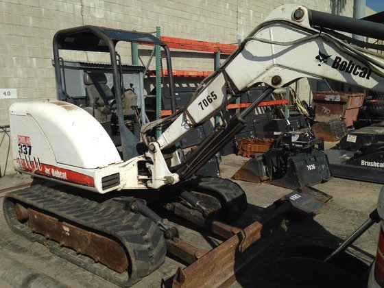 2005 Bobcat 337 Excavators in