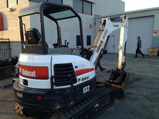 2014 Bobcat E32 (Long Arm