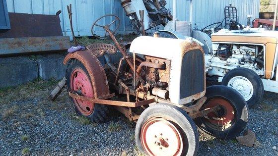 1922 MILTON WHEEL TRACTOR Tractors