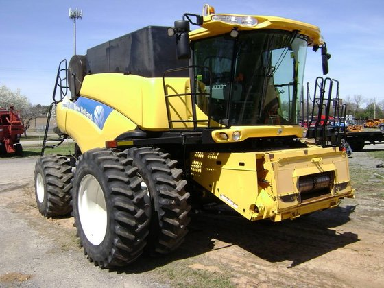 2010 NEW HOLLAND CR9040 Combines