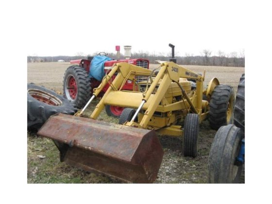 1985 FORD 340B Tractors in