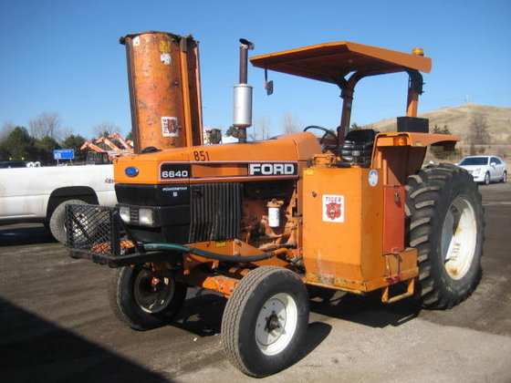 1993 FORD 6640S Tractors in