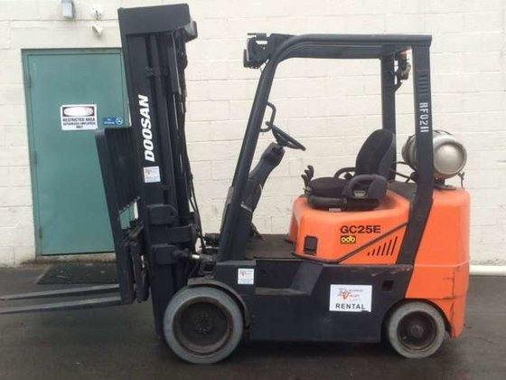 Doosan GC25E-3 Forklifts in PA